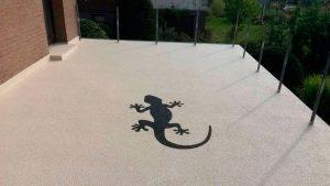 Terrassenfinish - Granitsteinfloor mit Gecko
