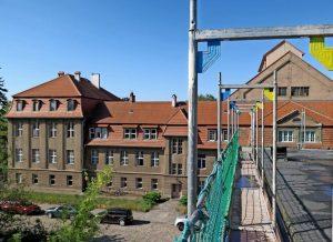 Das Stadtbad ist eingerüstet - Foto: Elinor Wenke